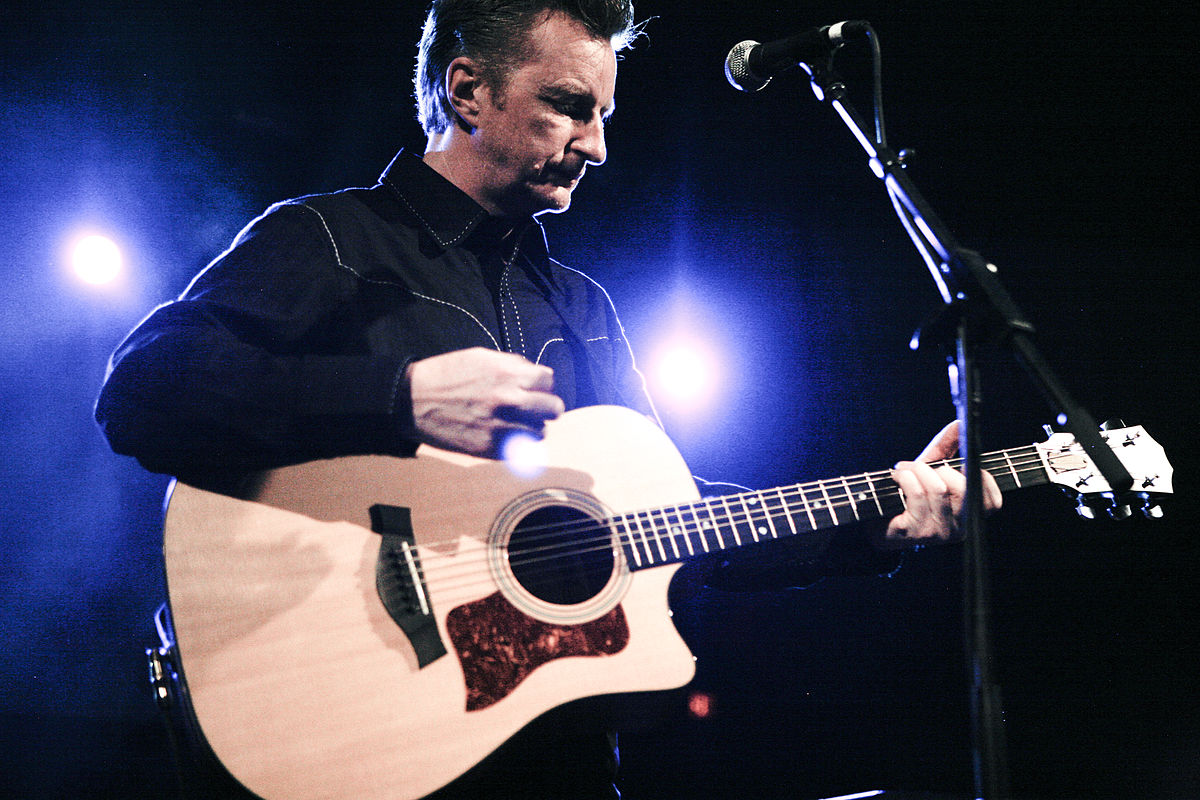 "Must Listening These Days: Billy Bragg's ""Between The Wars"""